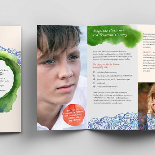 Flyergestaltung für Kurse für Traumatherapeuthen